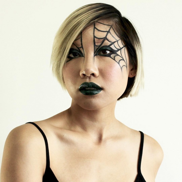 creepy spider web makeup
