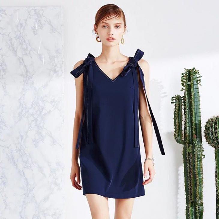 navy blue ribbon dress