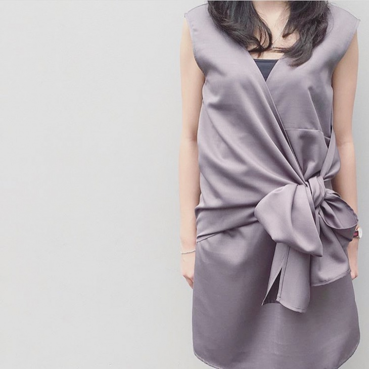 grey color ribbon dress