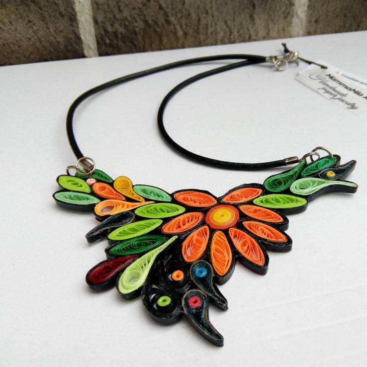 Beautiful Paper Necklace Idea