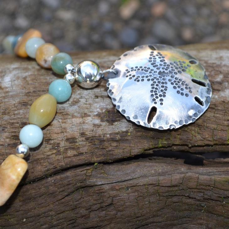 beautiful dollar pendant idea