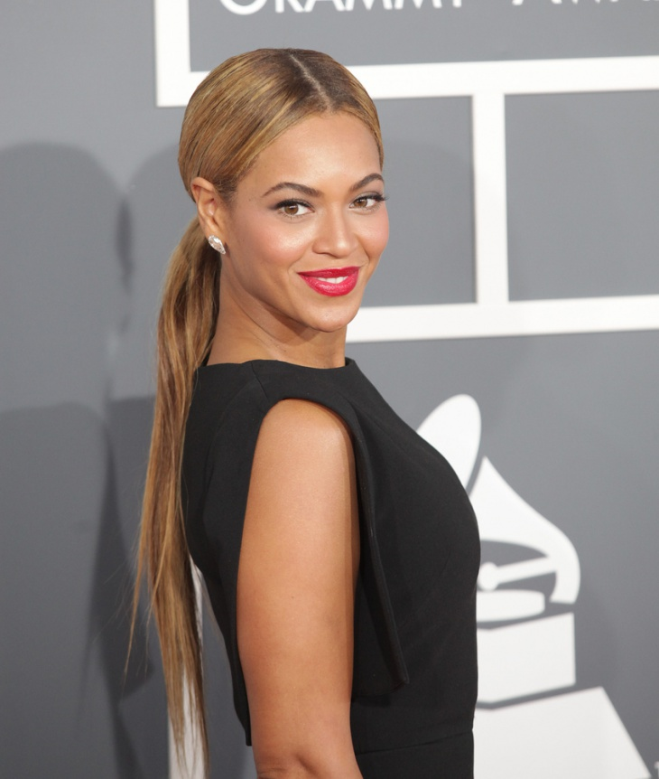 Beyonce Low Knotted Ponytail Hair