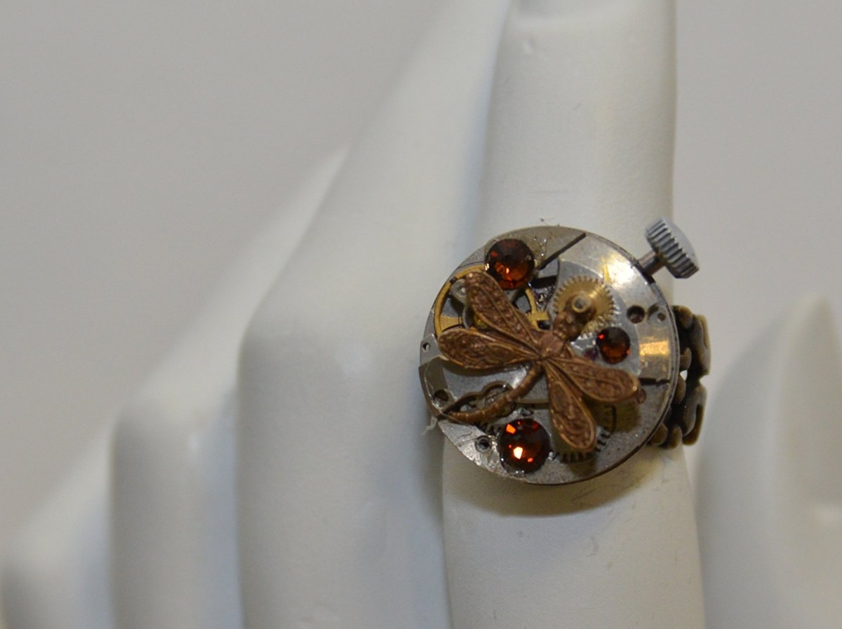 vintage sculptural ring model