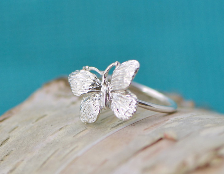 Pretty Silver Butterfly Ring