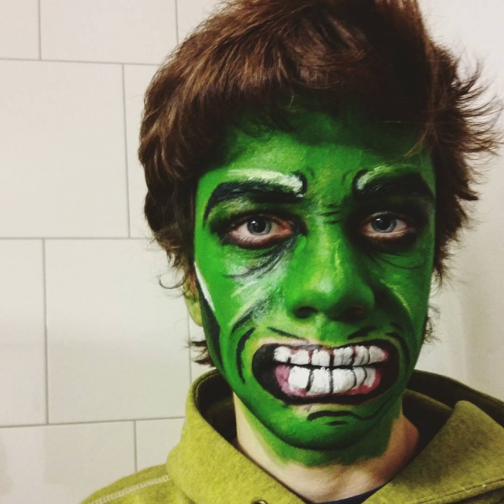 Green Hulk Makeup