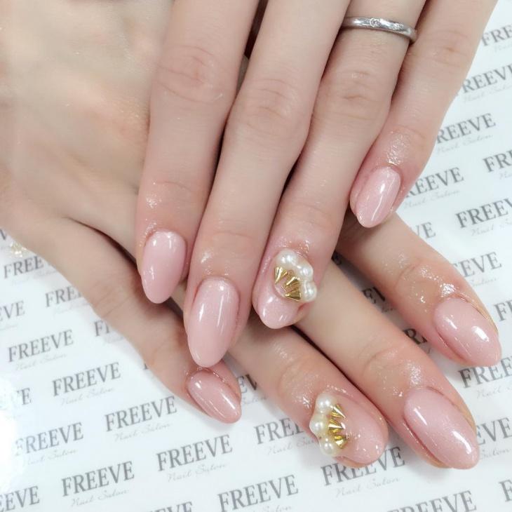 Pearl Studs Nail Art