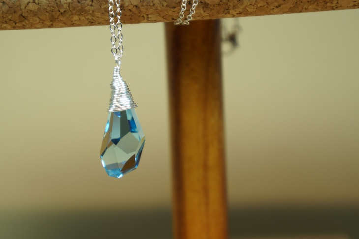 crystal drop aquamarine pendant