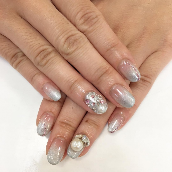 beautiful pearl party nails