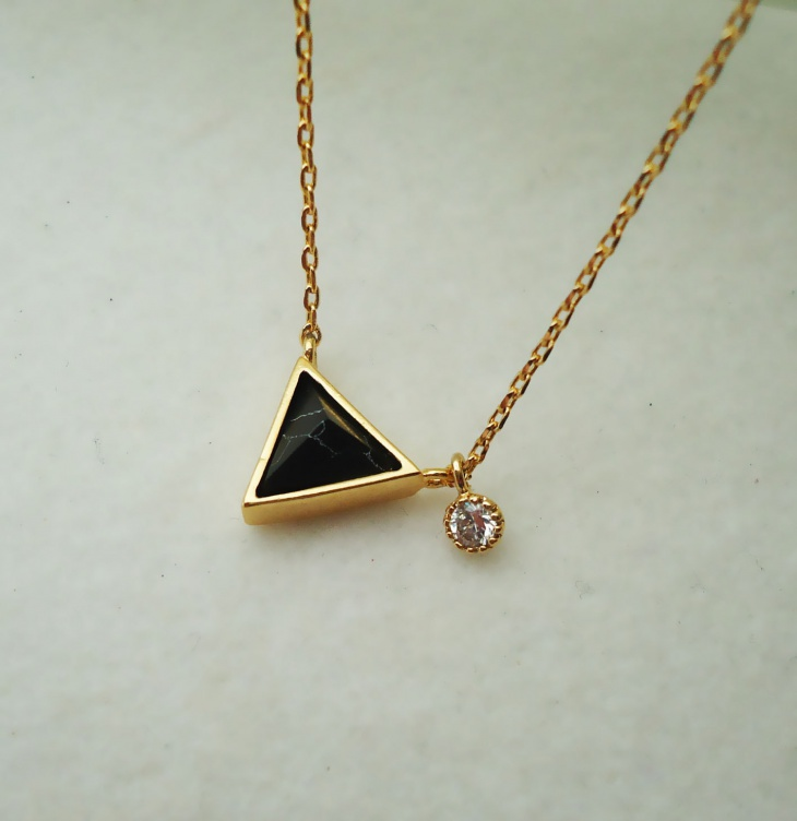 pyramid stone pendant necklace