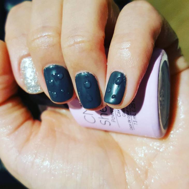 one stroke waterdrops nail art