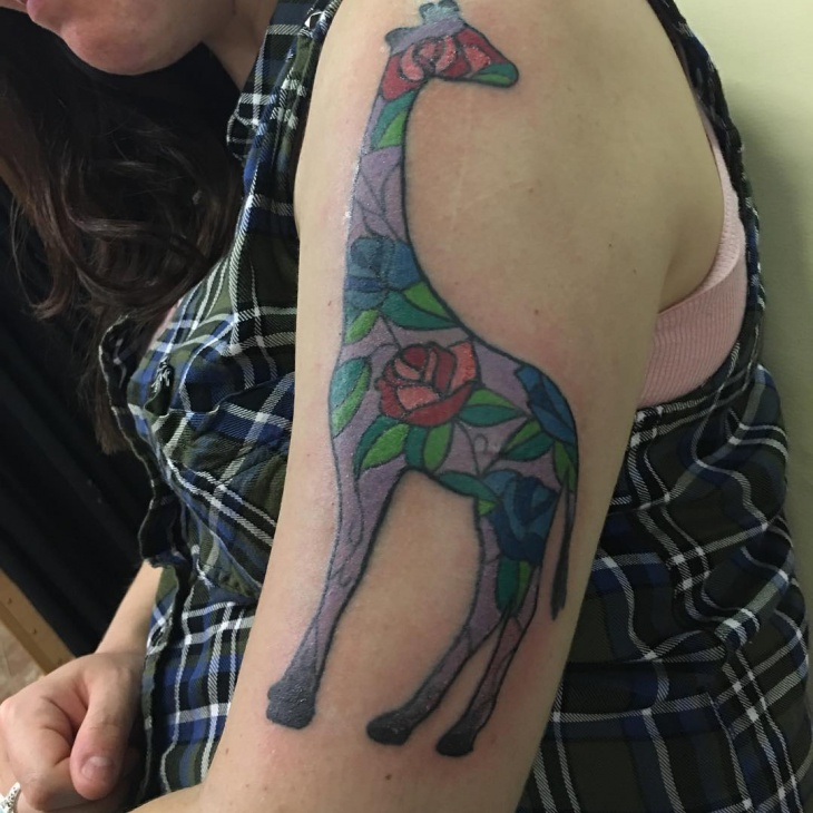 rose giraffi tattoo idea