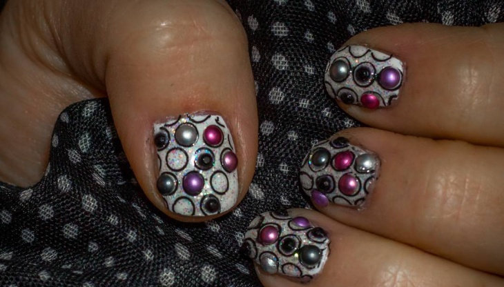 fancy circle nail art