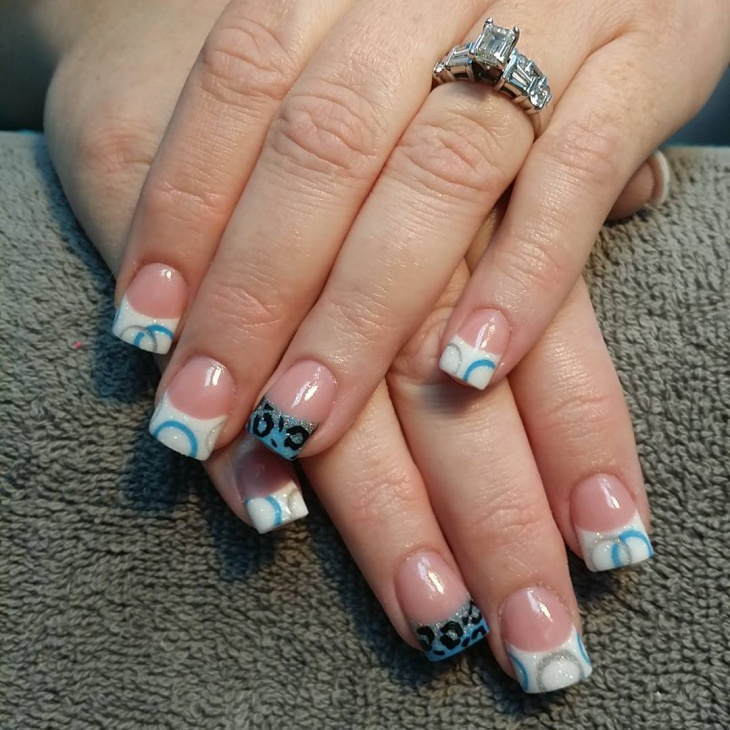 circle tip nail design