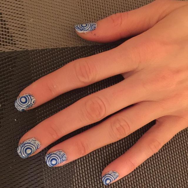 retro circle nail art1