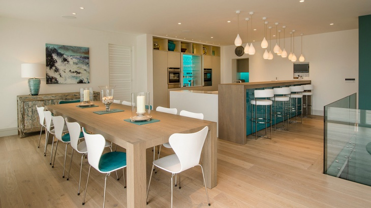 white and turquoise dining room