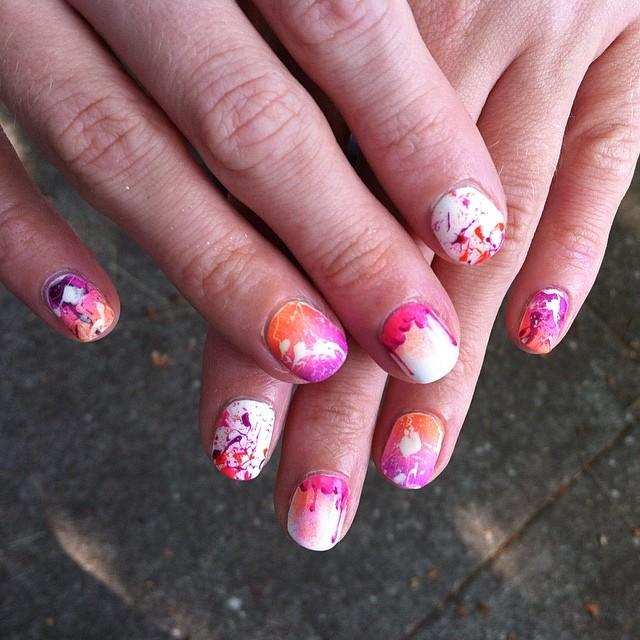 splatter drip nail design