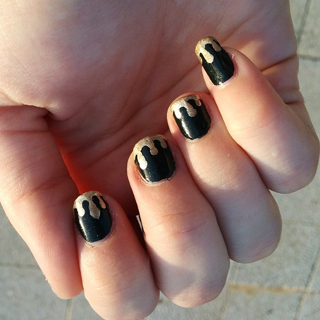 Black and Gold Drip Nails