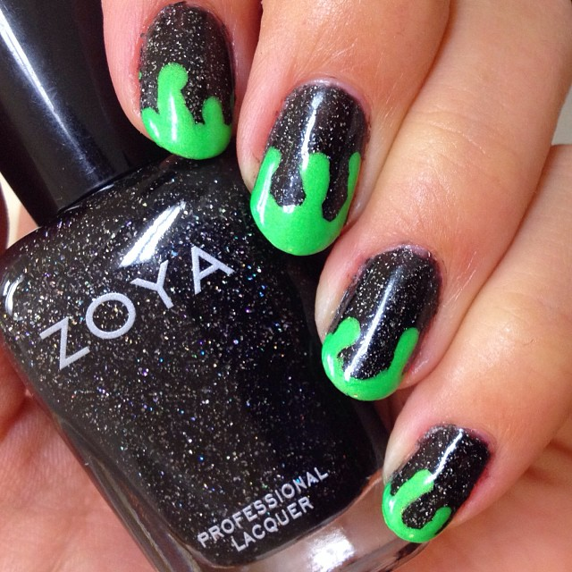 pretty green drip nail art