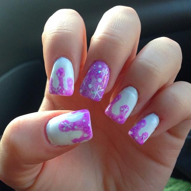 drip snow nail art
