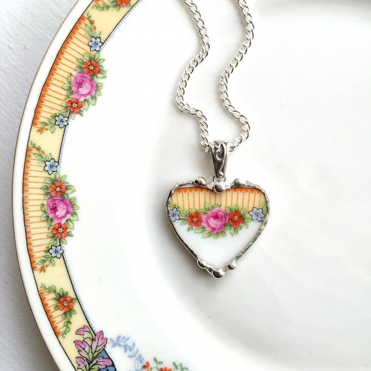 Awesome Heart Flower Pendant