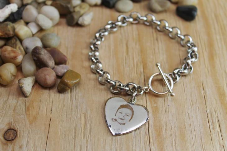 silver heart pendant bracelet