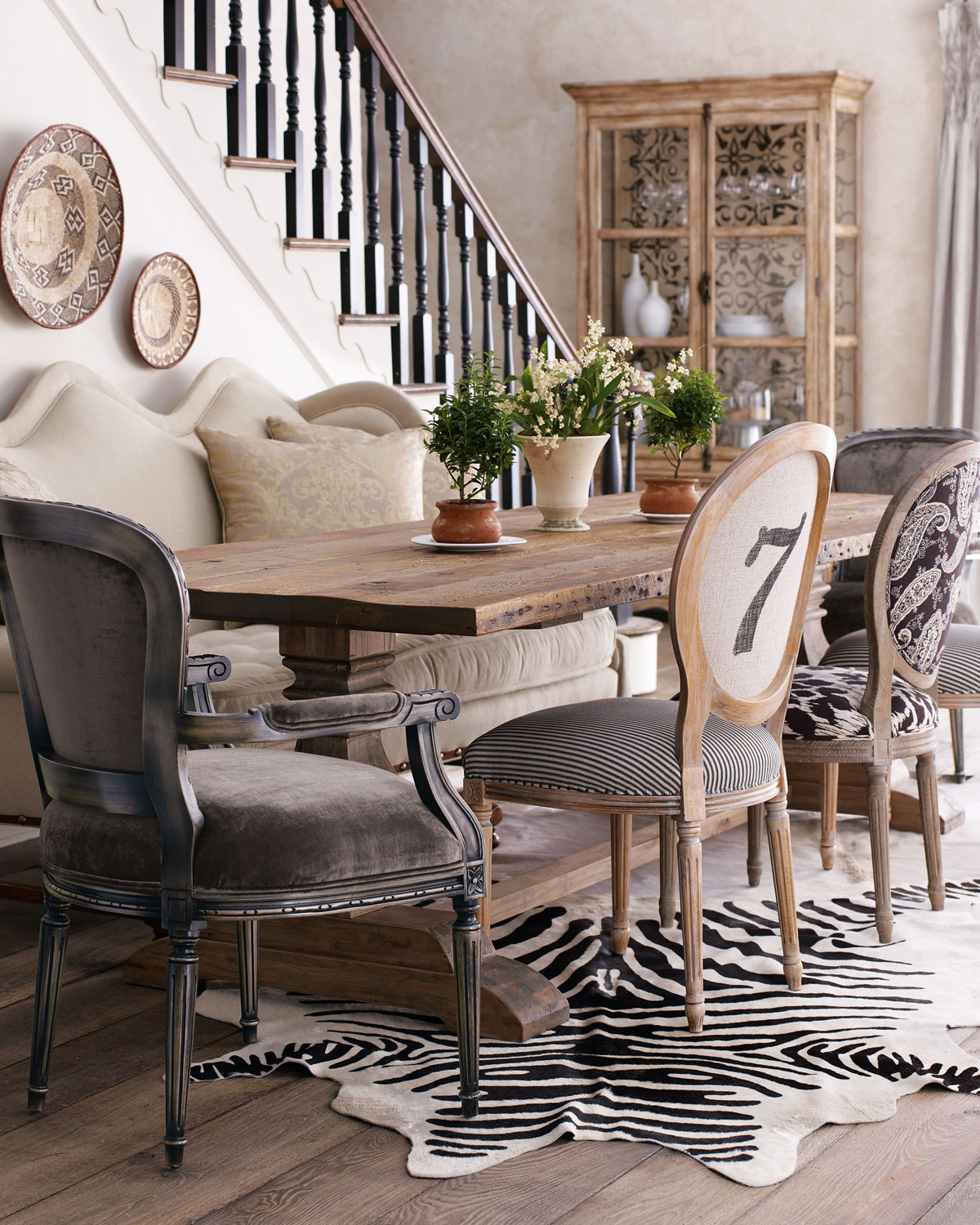 mix and match the chairs of your dining table