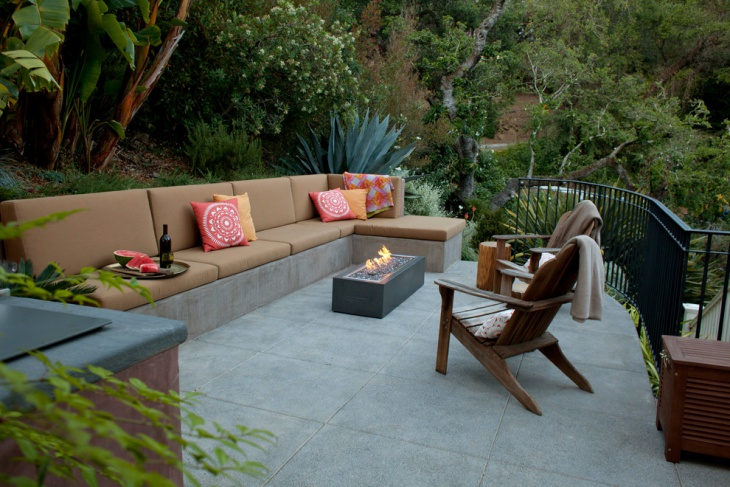 Built In Outdoor Seating Idea