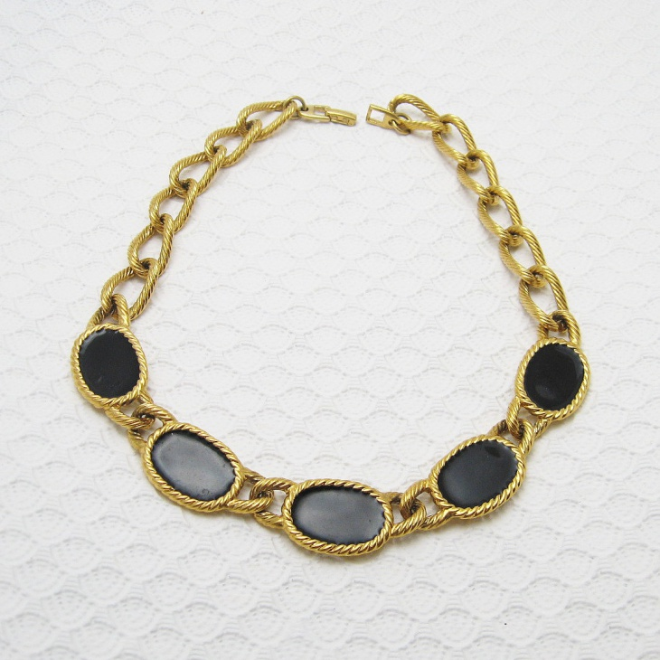 black enamel jewelry design