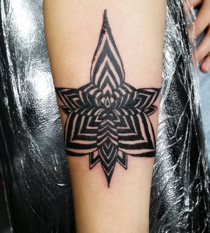 Tribal Optical Illusion Tattoo