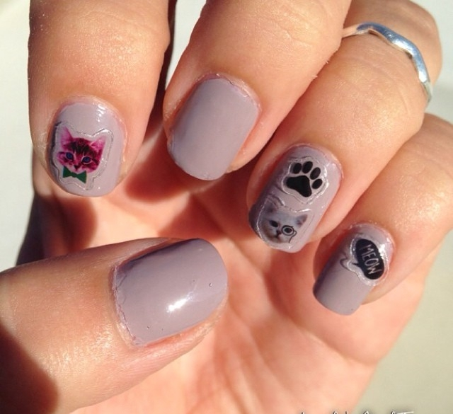 Gray Paw Nail Design