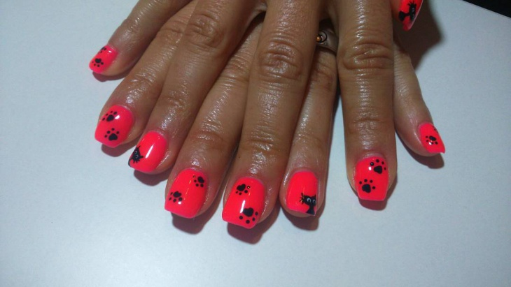 black paw nail art