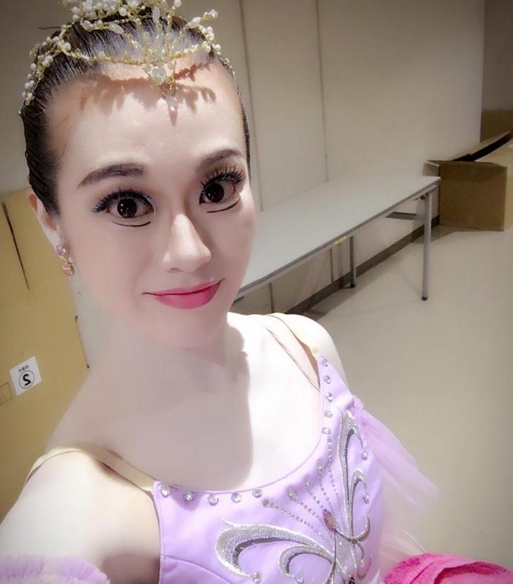 Ballet Stage Makeup Design