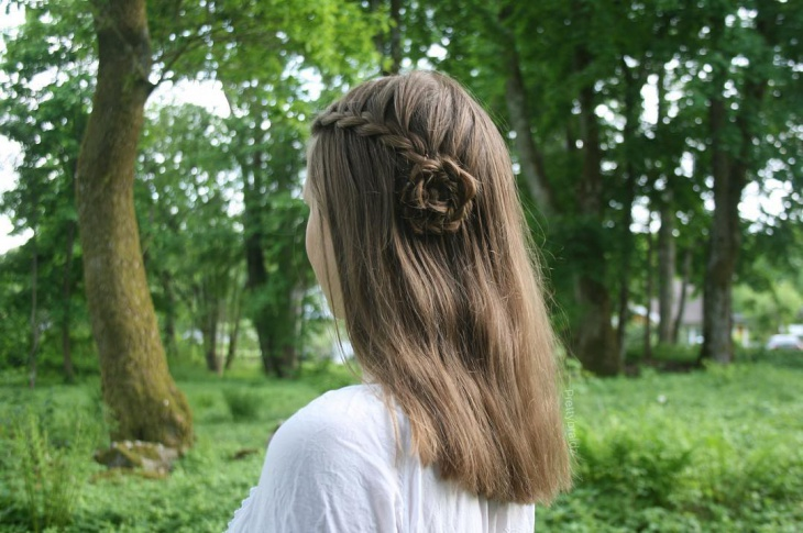 side flower braid hairstyle design