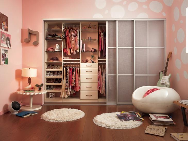 pink walk in closet idea