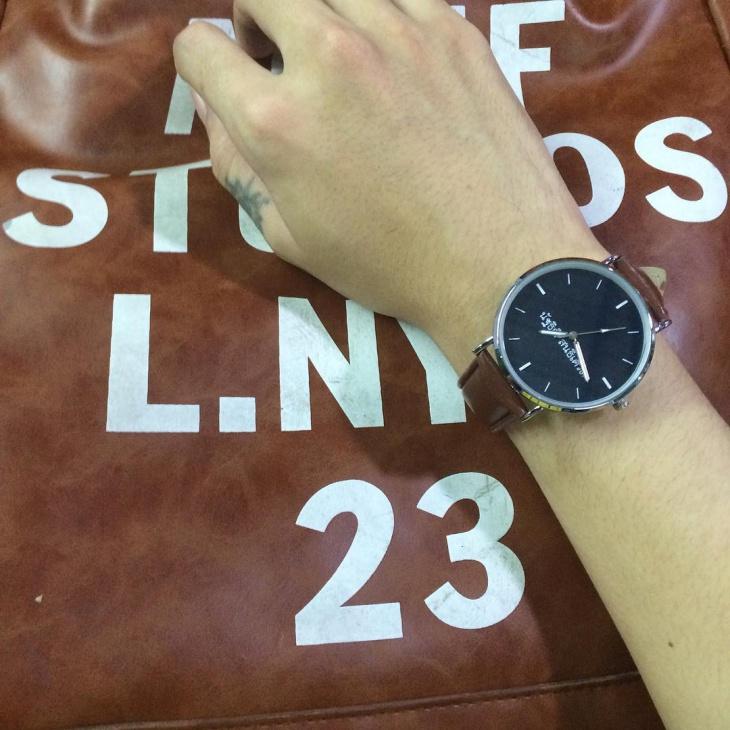 brown color minimal watch