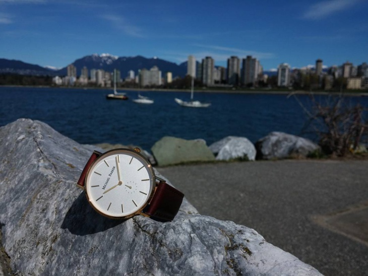 lavis minimal watch design