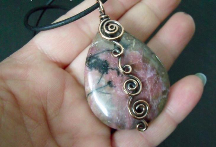 gemstone rhodonite pendant jewellery