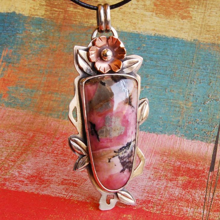 crystal rhodonite pendant design