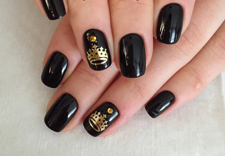 Black and Gold Crown Nails