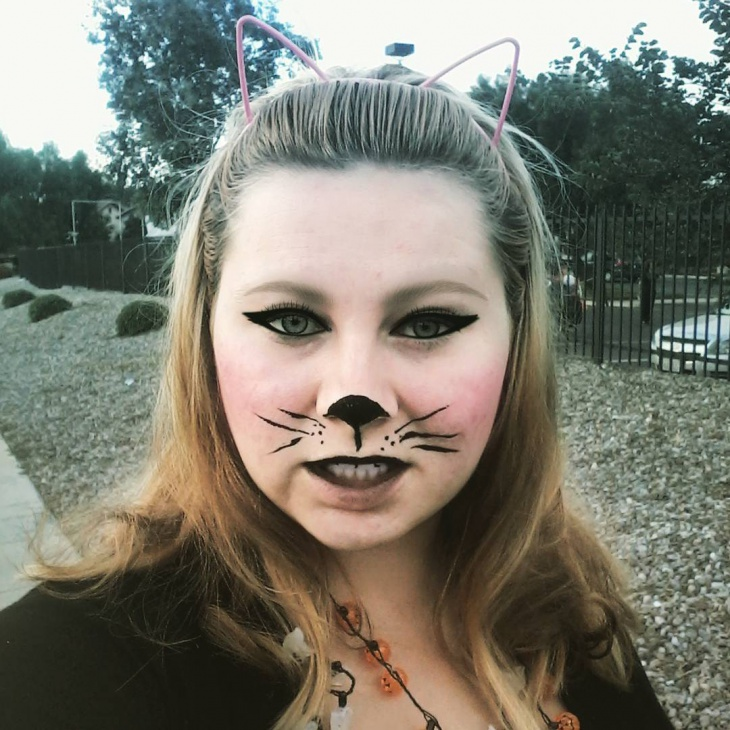Scary Kitty Makeup Design