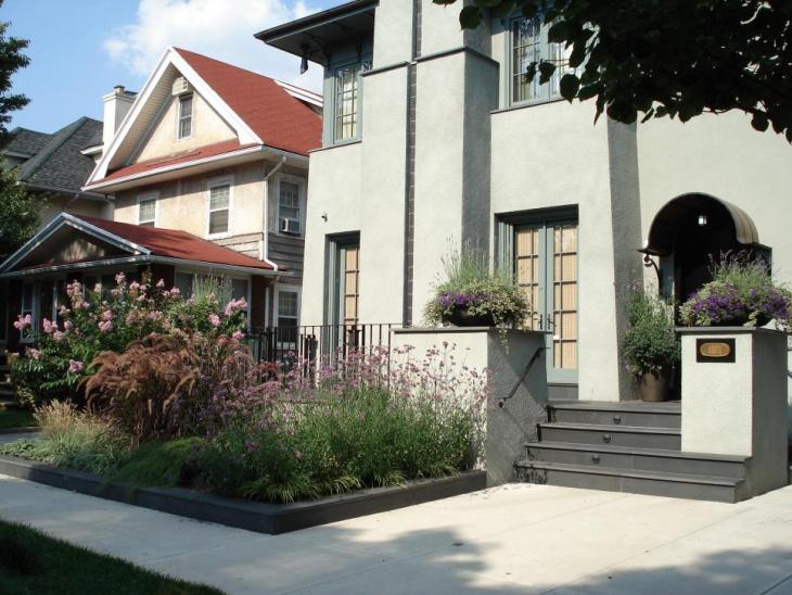 frontyard urban garden