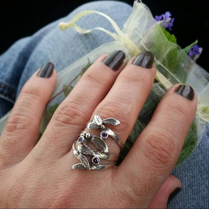 olive leaf ring model