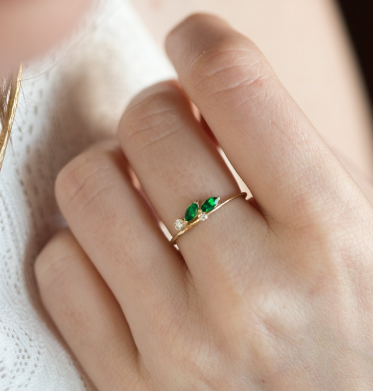 Delicate Emerald Leaf Ring
