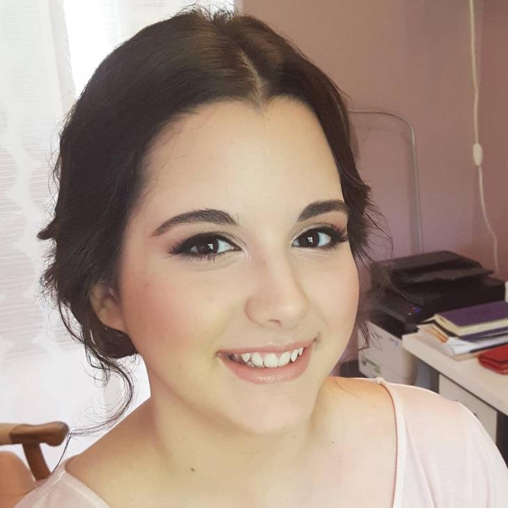 cute romantic makeup