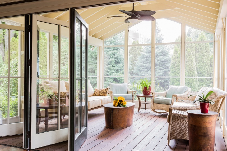 small sunroom with outer view