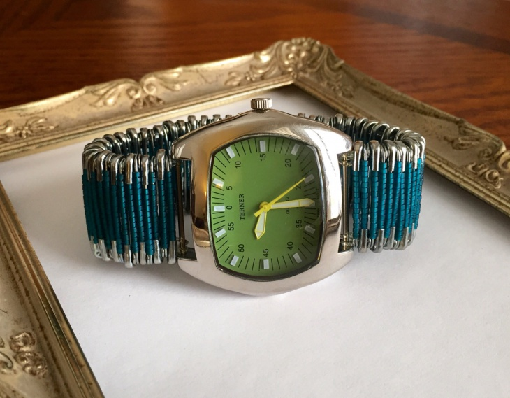 funky women watch design