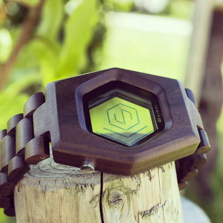 Spider Wood Watch Design