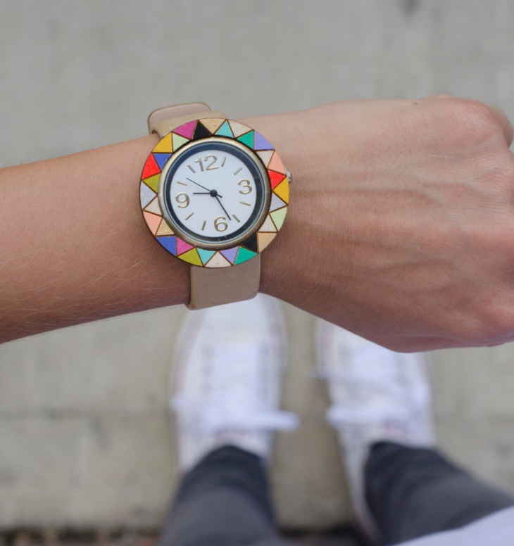 Colorful Wood Dial Wrist Watch