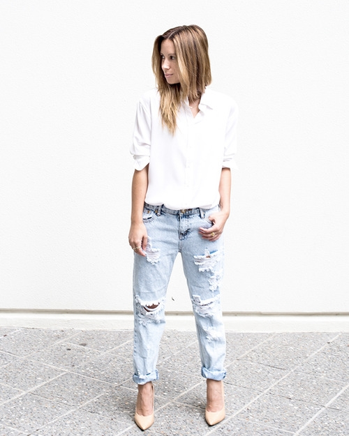 10. Cotton White Shirt + Ripped Jeans + Nude Pumps