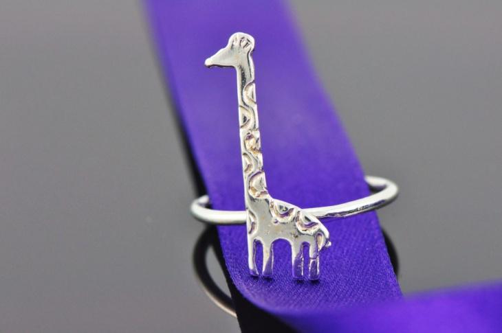 white gold giraffe ring